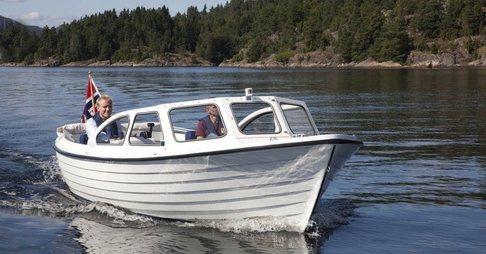 Elbåt er både stillegående og miljøvennlig